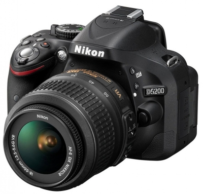 Nikon D5200 with 18-55mm Lens