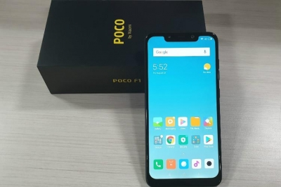 POCO F1 (Steel Blue, 64 GB)  (6 GB RAM)